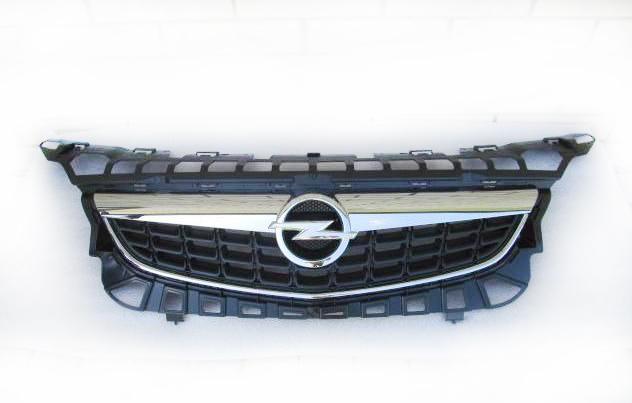 Решетка радиатора Opel Astra J (2011-2015)